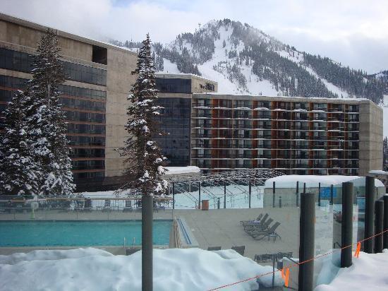Cliff Club At Snowbird Pool Mountain Condo Rentals